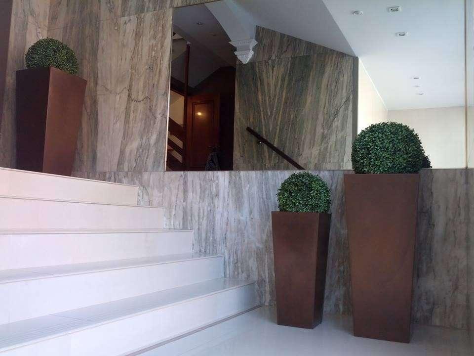 Detalle floral ideal para adornar edificios